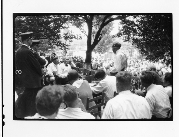 Bryan Gets Grilled by Darrow at the Scopes Trial