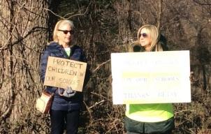 pro devos protesters